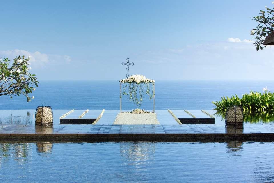 Water Wedding in Bali, luxury location | Bvlgari Resort Bali