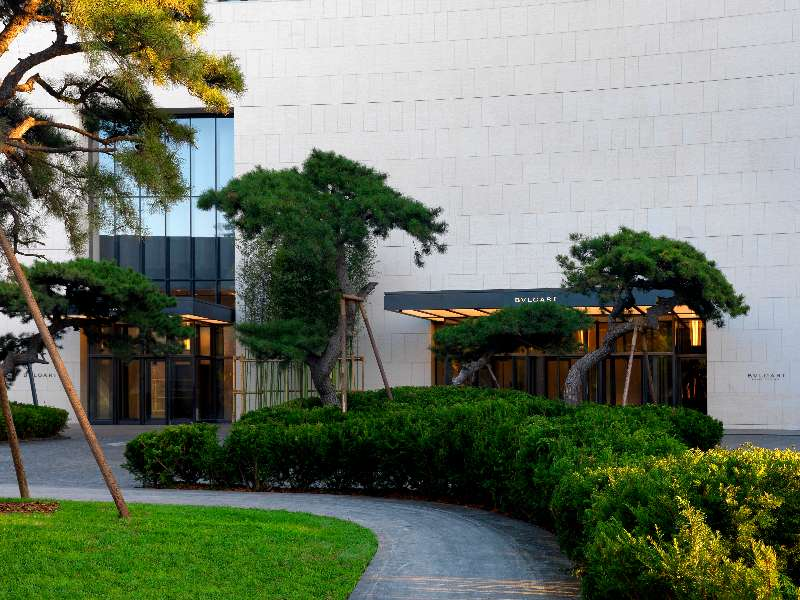 the-bvlgari-hotel-beijing-the-entrance