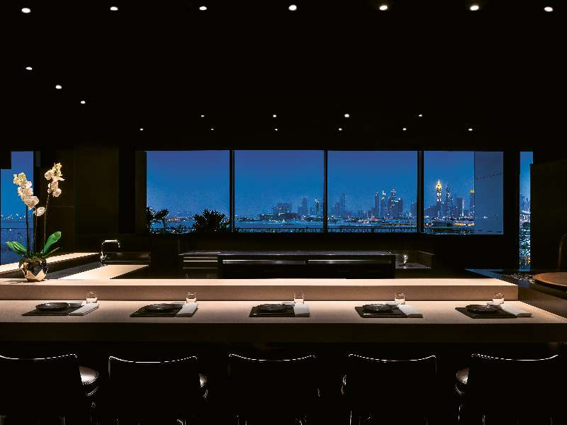 bvlgari-resort-dubai-hoseki-restaurant-counter-by-night