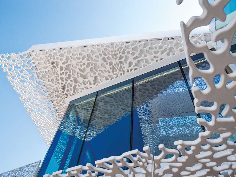 the-bvlgari-resort-dubai-façade-close up