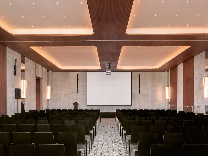 the-bvlgari-resort-dubai-the-conference-room