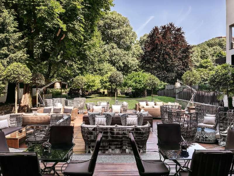 Exclusive luxury hotel in downtown milan italy bvlgari for Il giardino milano ristorante