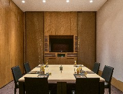 the-bvlgari-resort-dubai-the-meeting-room-small