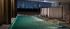 the-bvlgari-resort-dubai-the-bvlgari-spa-the-pool-by-night