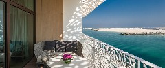 the-bvlgari-resort-dubai-the-terrace-of-the-deluxe-beach-view-room