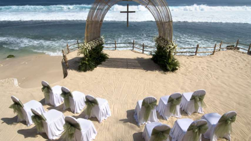 An Exclusive Experience For Those Who Choose To Celebrate Their Ceremony On A Secluded White Sand Beach In Front Of Brilliant Blue Lagoon With Wild
