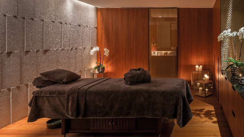 A bed for two in Bvlgari Spa