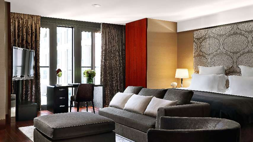 Luxury Rooms In London Deluxe Suite Bvlgari Hotel London