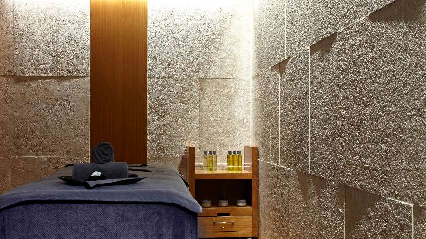 fb55f9158bd Luxury Spa hotel in London with wellness center