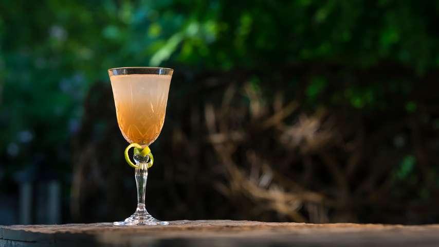 Esclusivo cocktail bar e aperitivo a milano bulgari for Bar 35 food drinks milano